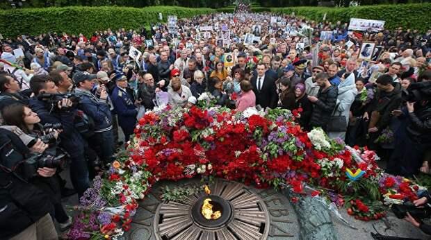 Украинцы не сдают власти День Победы