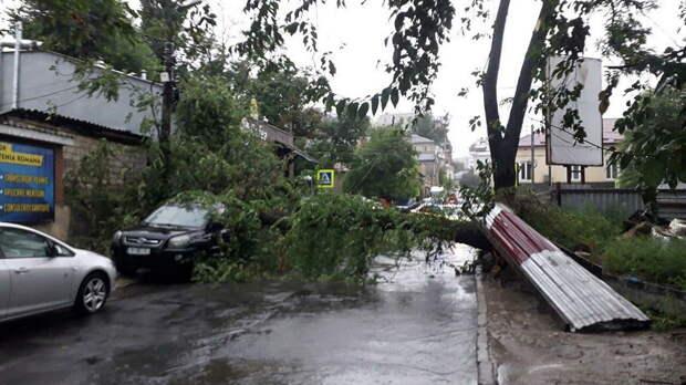 Потоп и гроза. Молдова обзавелась новым премьером под зловещий антураж