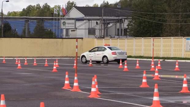 Глава Союза автошкол предложил выдавать водительские права в РФ с 16 лет