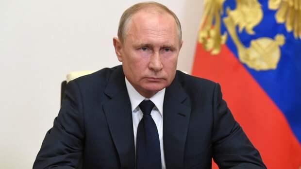 """Владимир Путин потребовал """"не затыкать ему рот"""" во время интервью с журналистом NBC"""