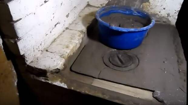 Состав готов к нанесению на печь или плиту. ¦Фото: youtube.com.