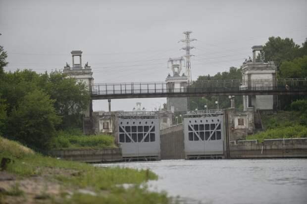 Шлюз №7 канала имени Москвы до сих пор помогает судам подниматься к Москве-реке/ Александр Кочубей