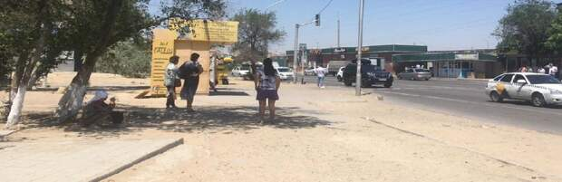 Жители Актау жалуются на отсутствие остановки в 8 микрорайоне