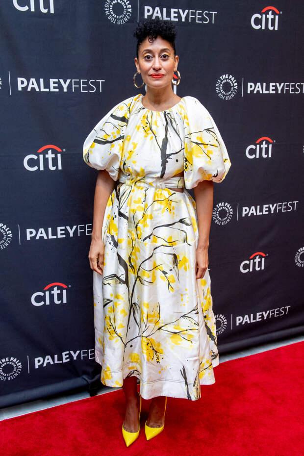 Трейси Элис Росс в платье Aje с открытой спиной на фестивале PaleyFest в Нью-Йорке, октябрь 2019.