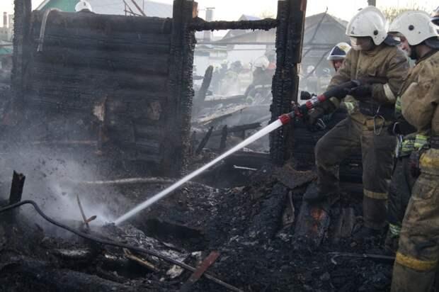 11 домов вспыхнули в селе Яицкое под Самарой