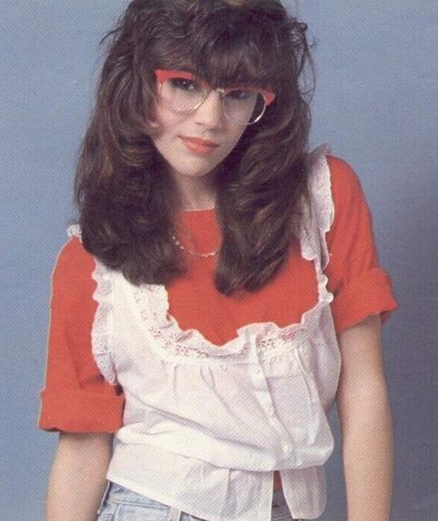 Красотка из 90-ых Алисса Милано в юные годы.