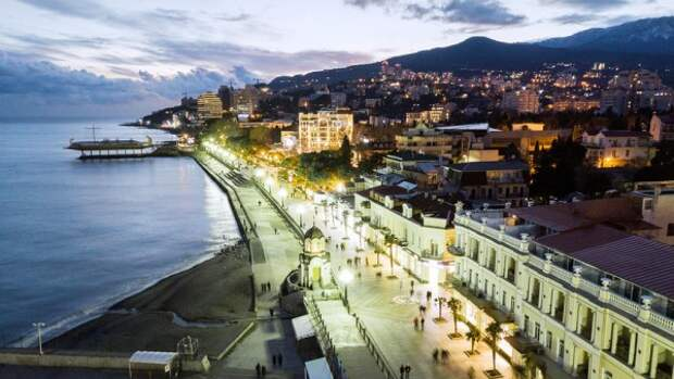 Возобновлены поездки пассажиров в Крым по единому билету