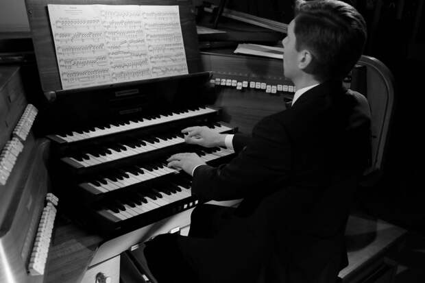 Органный концерт «Эльфы, гномы и валькирии. Германская мифология в звуках и песочной анимации» в усадьбе Третьякова