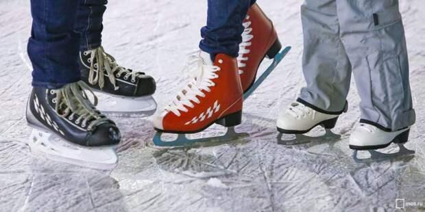 Спортивный центр «Сокол» приглашает семьи из района на окружные соревнования на коньках