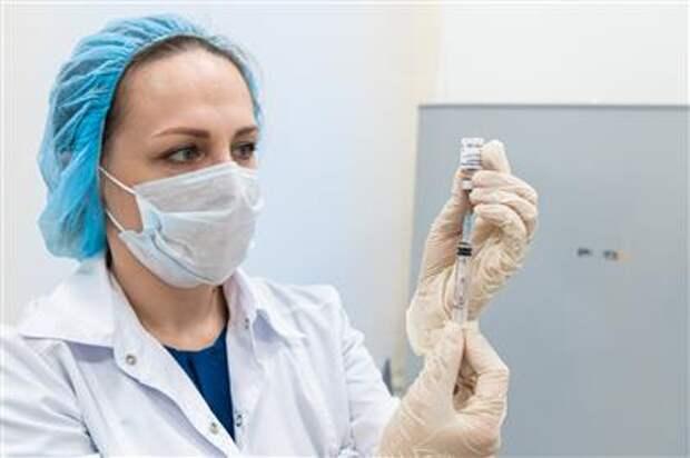 Пандемия COVID-19: Россия третий день подряд ставит антирекорды по смертности