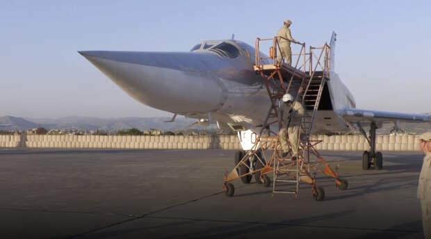 Дальние бомбардировщики Ту-22 впервые приземлились в Хмеймиме