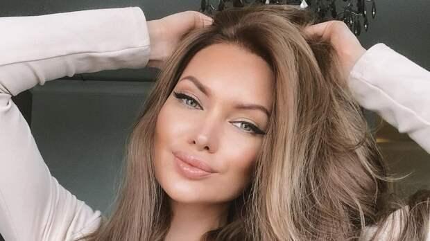 """Экс-звезда """"Дома-2"""" Феофилактова проигнорировала инцидент с ездой 8-летнего сына за рулем"""