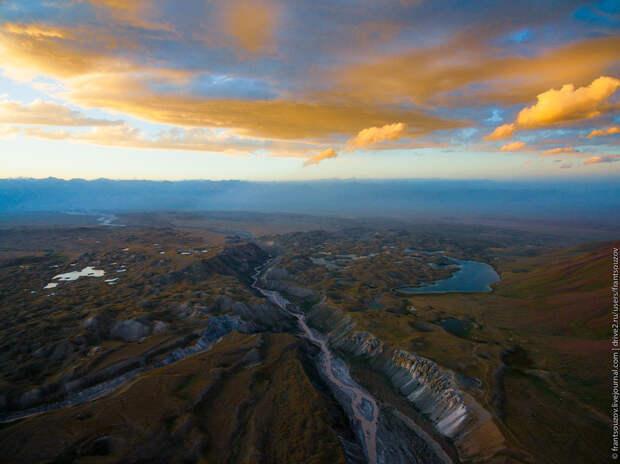 Природа Киргизии с высоты: Тулпар-Кёль