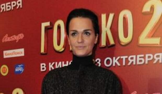Муж спустил более 5 миллионов евро на певицу Славу