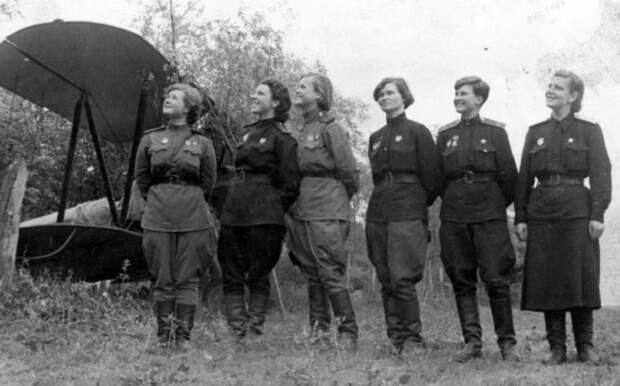 «Ночные ведьмы»: почему немцы так боялись советских женщин-летчиц