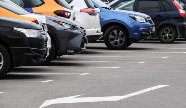 В Крылатском появилась бесплатная парковка на 35 машино-мест