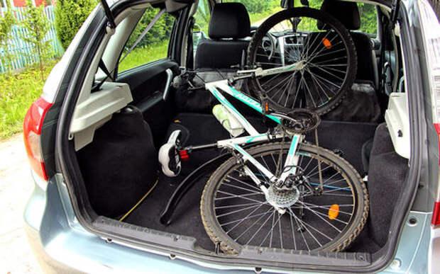 Datsun mi-DO: меняем лампы и перевозим велосипед