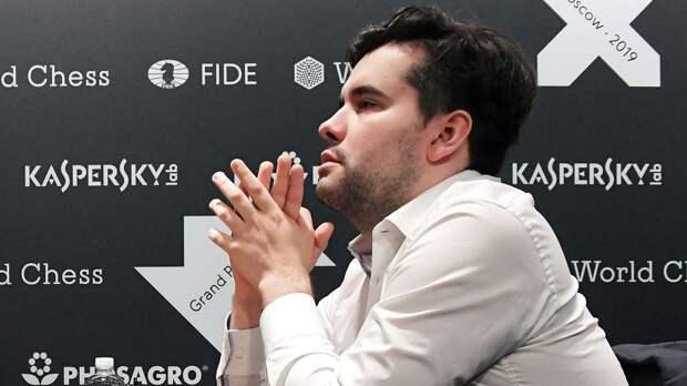 Победивший на Турнире претендентов российский шахматист Непомнящий остался на 4-й строчке в рейтинге FIDE