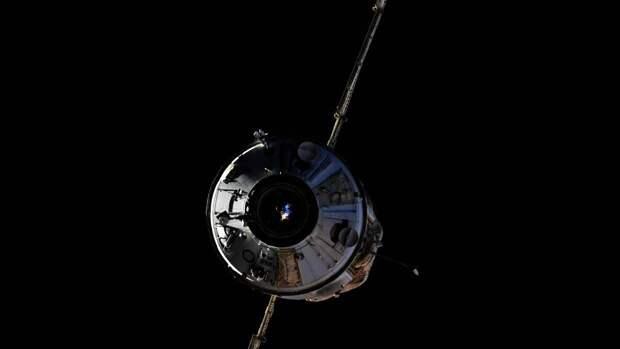 «Союз МС-18» с киноэкипажем на борту отстыковался от модуля МКС «Наука»