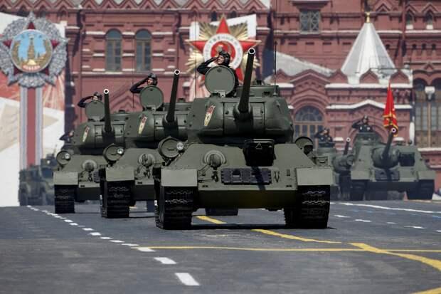 Парад Победы наКрасной площади — ПРЯМАЯ ТРАНСЛЯЦИЯ — Смотрите икомментируйте сРВ