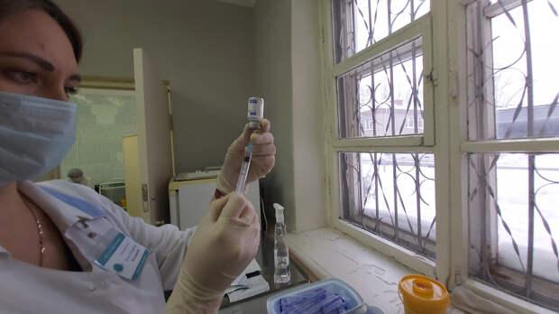 В Удмуртию пришла первая партия новой вакцины от коронавируса «КовиВак»