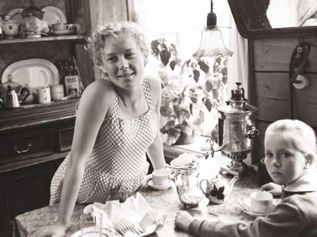 Кадр из фильма *История Аси Клячиной, которая любила, да не вышла замуж*, 1966   Фото: chtoby-pomnili.com