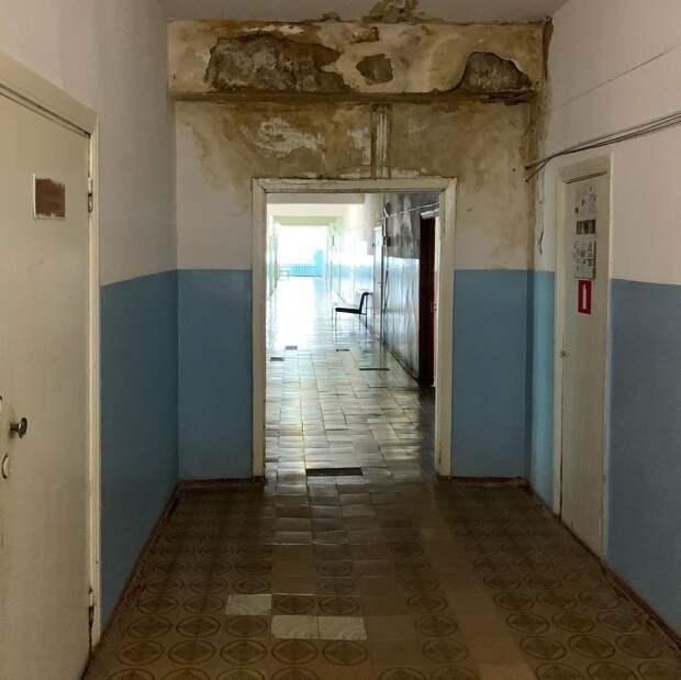 Протекающую крышу отремонтировали в детской поликлинике в Сергаче