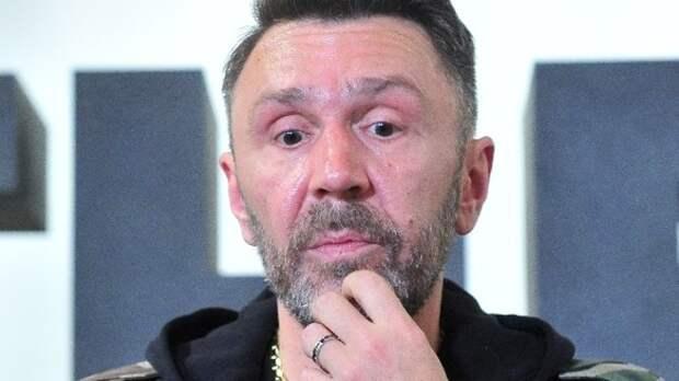 Шнуров сравнил Собчак с горячей сковородкой