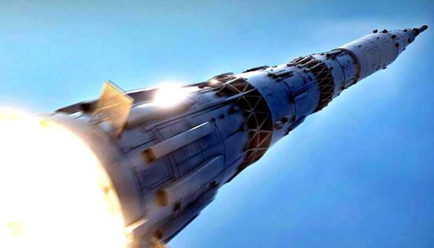 """""""Роскосмос"""" намерен сделать ракету-носитель для полетов на Луну многоразовой"""