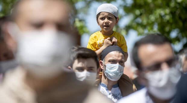 В Турции без российских туристов научились контролировать эпидемию коронавируса