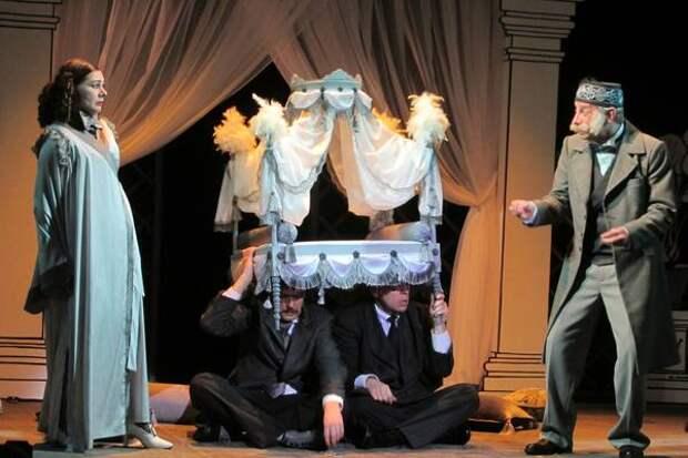 Премьера спектакля «Чужая жена и муж под кроватью» прошла в театре «Самарская площадь»