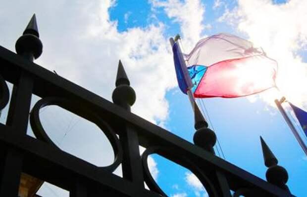 Чехия против России: Площадь Немцова в Праге налетела на улицу Фучика в Москве