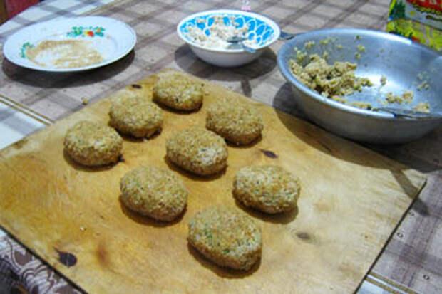 Блюдо из соевого фарша: постные зразы.
