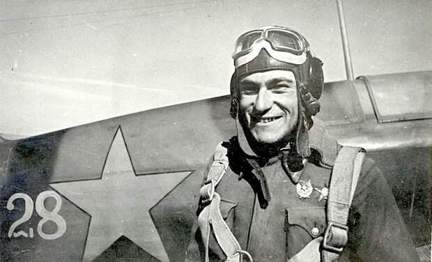 «Черный дьявол»: сколько немецких самолётов сбил крымский татарин Амет-Хан Султан