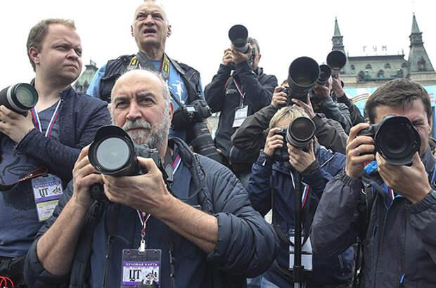 За участие в митингах под видом журналистов предлагают штрафовать