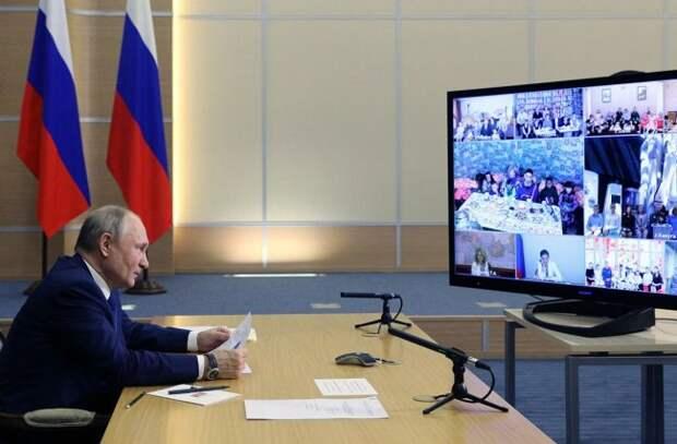Путин объявил, что Россия выходит из эпидемии. Статистика не согласна - «Антифейк»