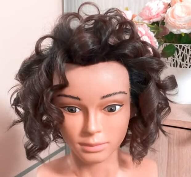 Объемная, высокая прическа на тонкие, короткие волосы — это реально!