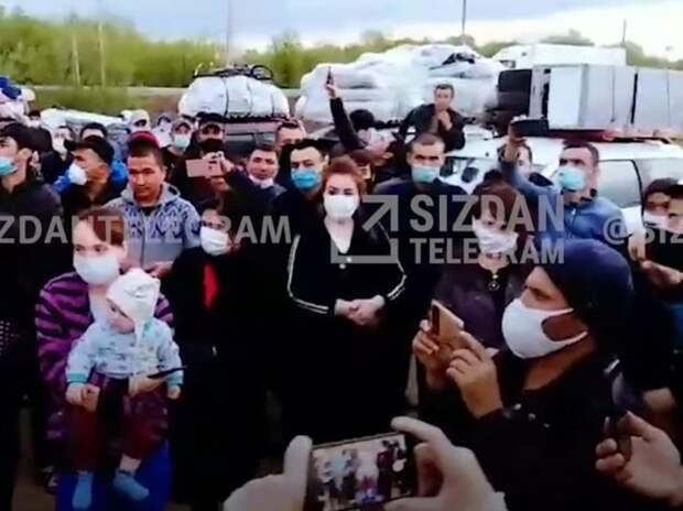 Сотни мигрантов наводнили Оренбуржье, надеясь перейти границу