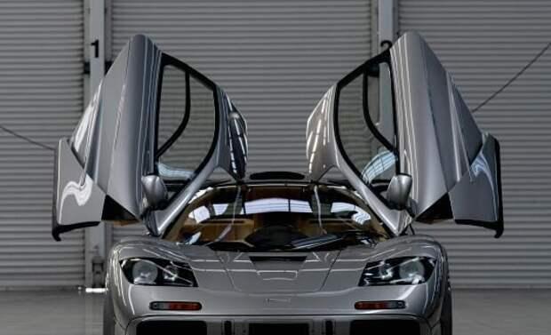 Машины Илона Маска: на чем ездит один из известнейших предпринимателей современности авто и мото,знаменитости
