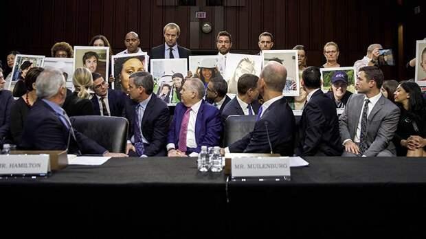 Во время слушаний по делу Boeing 737 MAXв Конгрессе США
