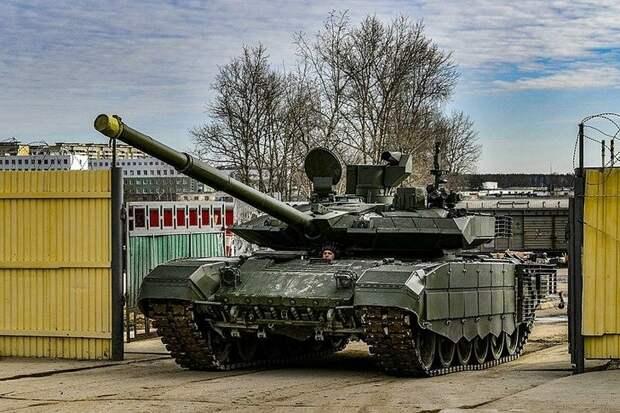 Начались серийные поставки Минобороны РФ новых танков Т-90М «Прорыв»