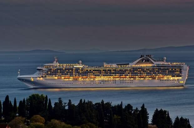 В США 21 человек заразился коронавирусом на лайнере «Grand Princess»