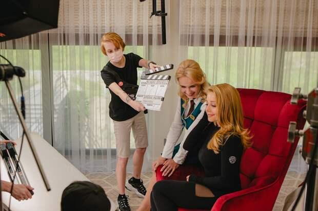 Тина Кароль получила роль во втором сезоне сериала «Великие Вуйки»