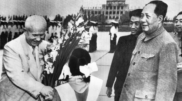 Россия едва не потеряла Китай из-за секретной группы высших генералов
