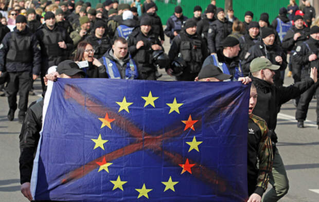 Киев разочаровался в Западе и готовится к повороту на Восток