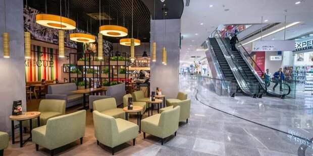 Планов создать отдельные зоны для привитых в ресторанах Москвы пока нет