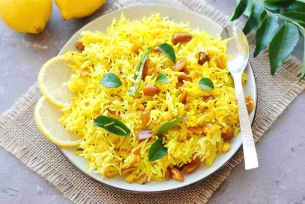 Рассыпчатый рис с добавлением цитрусовых. \ Фото: indianambrosia.com.