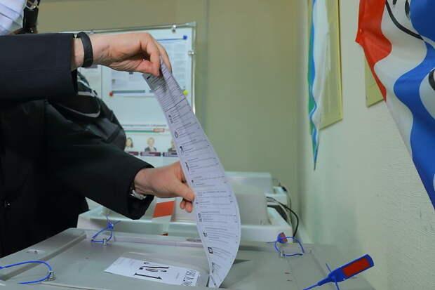 Андрей Травников пожелал будущим депутатам достойно представлять интересы Новосибирской области на федеральном уровне