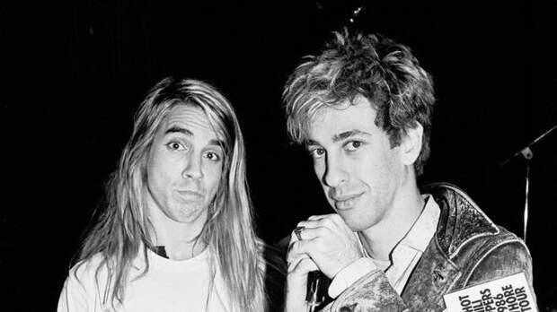 Секс ссестрой Фли ипереодевание вмаму: секреты Энтони Кидиса изRed Hot Chili Peppers