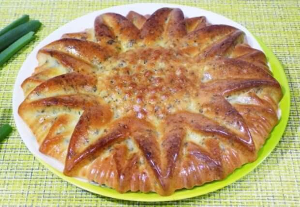 Быстрый заливной пирог с фаршем – не надо ничего раскатывать и ждать, пока поднимется тесто, даже руки остаются чистыми